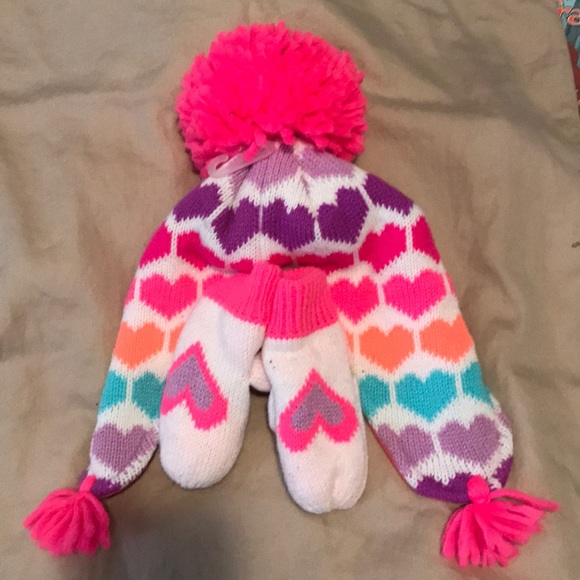 Children's Place Other - NWT 12-24 month hat and mitten children's place